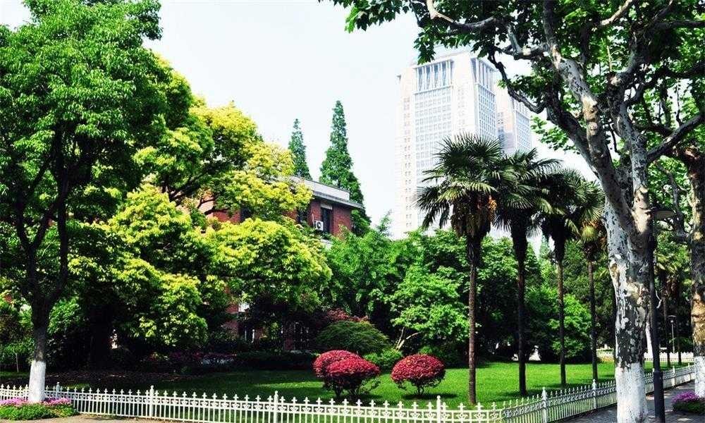 复旦大学校园