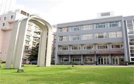 上海对外经贸大学校景