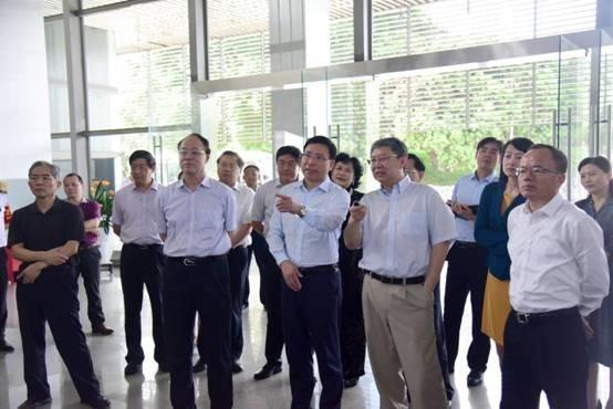 市长来访深圳大学调研